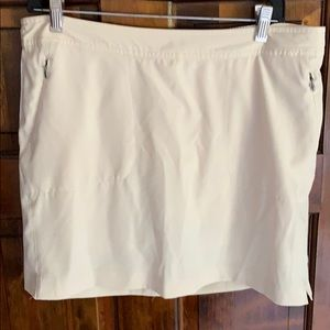 Danskin Skort with Zip Pockets Cream Large - 12/14